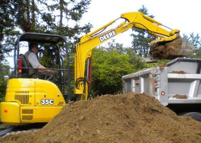 Loading Dirt || Jim Agnew || Cascade Dozing