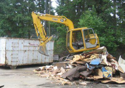 Demolition with John Deere 190E || Cascade Dozing